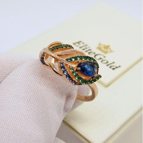 кольцо в виде пера - в руке