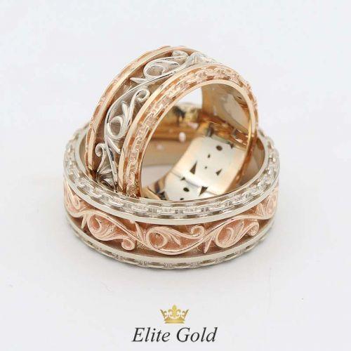 кольца в красном и белом золоте с модификацией - добавили в женское бортики