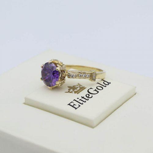 Авторское кольцо Vinona с крупным центральным камнем