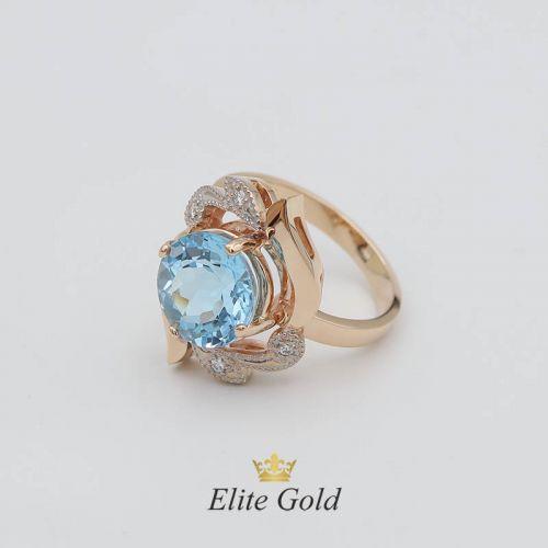 Авторское женское кольцо Arta с крупным камнем в центре