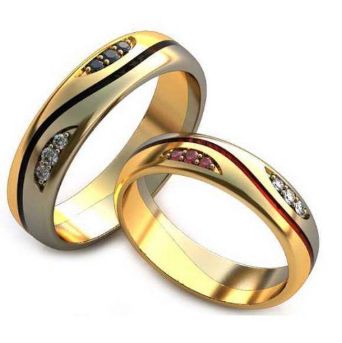 Обручальные кольца в белом и лимонном золоте с цветными камнями