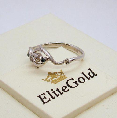 кольцо с цветными бриллиантами в белом золоте 585